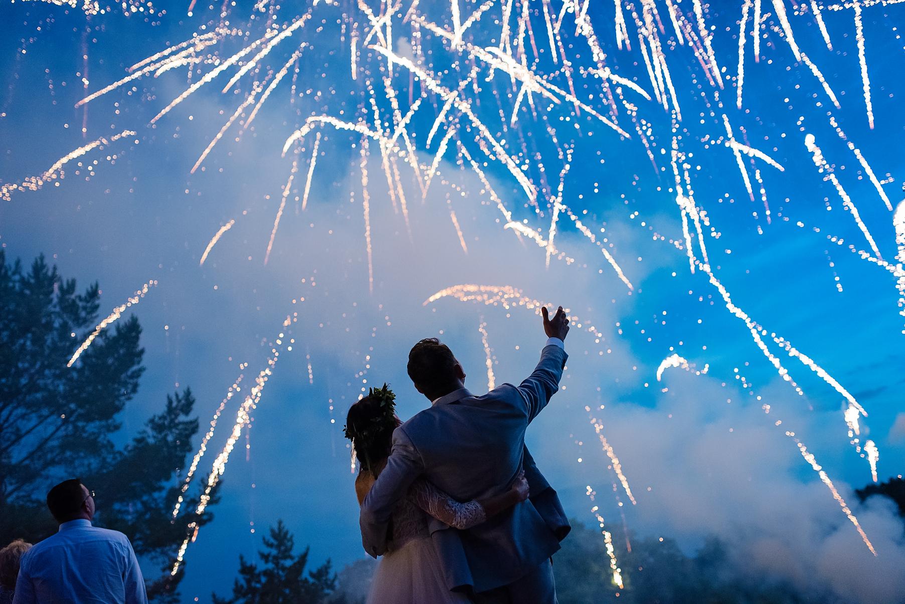 fajerwerki na ślubie, pokaz sztucznych ogni, mrugała studio, fotografia ślubna Gdańsk