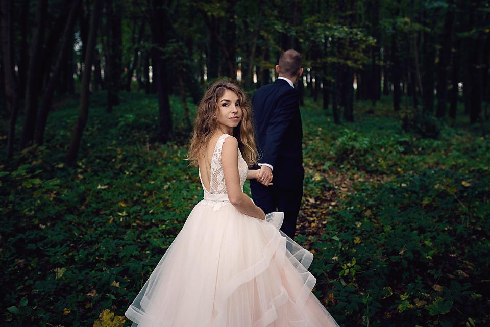 sesja ślubna w lesie, mrugała studio, reportaż ślubny gdańsk, fotografia ślubna Gdańsk